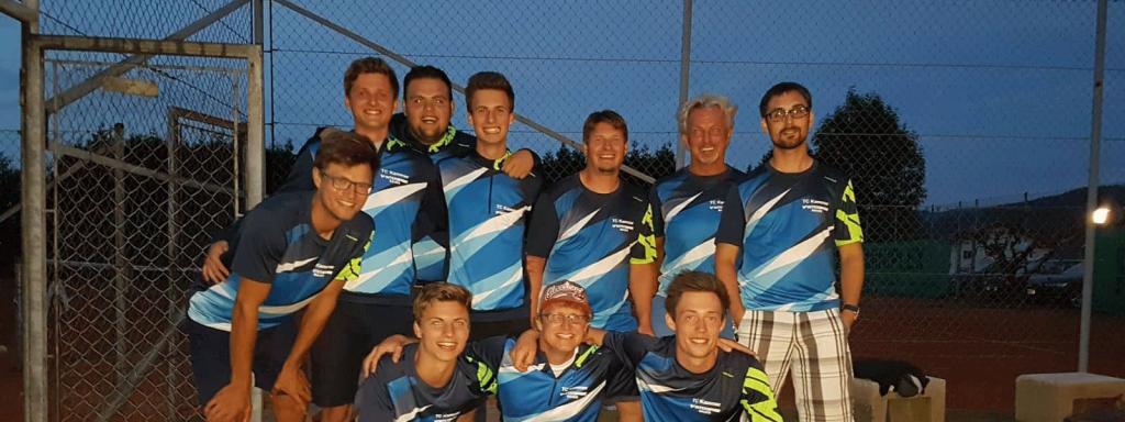 Auf dem Bild sieht man das Herrenteam des Tennisclub Kammers
